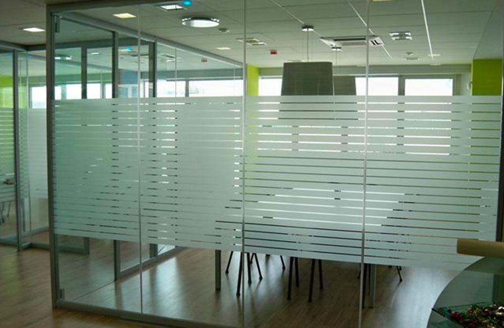 Pellicole privacy per porte finestre uffici e luoghi pubblici foster srl - Pellicole isolanti per vetri finestre ...