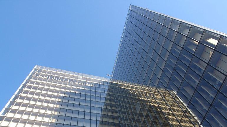 Pellicole di protezione solare per vetri ufficio