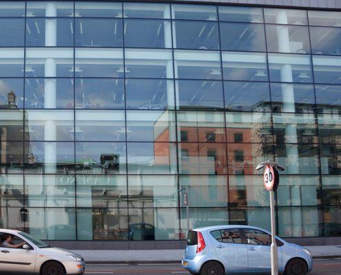 Pellicole adesive per vetro: la scelta giusta per uffici e aziende